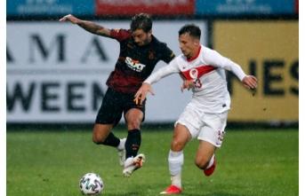 Galatasaray ile Ümit Milli Takım berabere kaldı