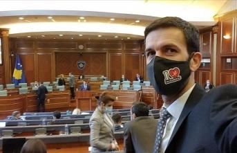 Milletvekilinden alkışlanacak hareket: 'I Love Muhammed' yazılı maske taktı