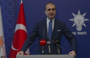 Ömer Çelik: Türkiye'de siyasetçiler kara propagandanın parçası oldu