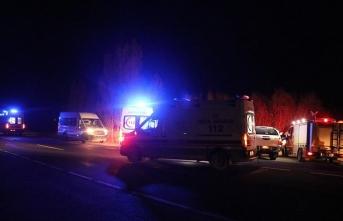 Ağrı'da kamyonet devrildi: 17 yaralı!