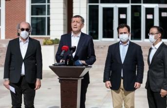 Bakan Selçuk İzmir'deki okulların durumunu açıkladı
