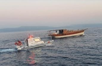 Balık çiftliği kafesine çarpan teknedeki sığınmacılar kurtarıldı