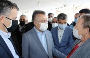 Cumhurbaşkanı Yardımcısı Oktay'dan Sığacık Mahallesi'ne ziyaret