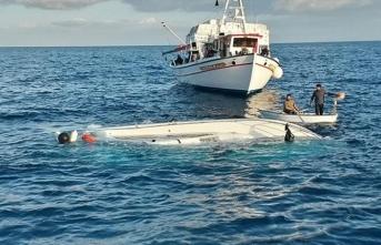 Göçmenleri taşıyan tekne battı, çok sayıda ölü var