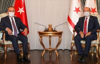 KKTC Cumhurbaşkanı Tatar Dışişleri Bakanı Çavuşoğlu ile görüştü