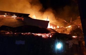 Korkutan yangın: Hepsi kül oldu