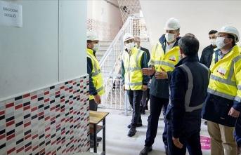 Milli Eğitim Bakanı Selçuk İzmir'deki bazı okullarda inceleme yaptı