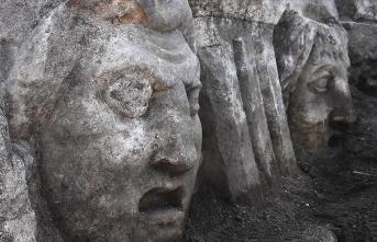 Mitolojik masklar gün yüzüne çıkarıldı