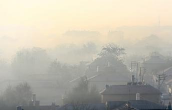 Şehir sisle kaplandı