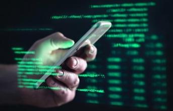 Binlerce kişinin telefonunu hacklemişler