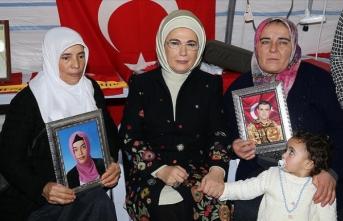 Emine Erdoğan'dan Diyarbakır anneler mesajı