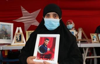 Evlat nöbetindeki anne: HDP beni yıldıramaz onları ben yıldırırım