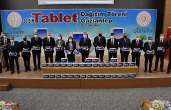 Gaziantep'te tabletler dağıtıldı