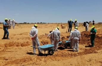 Hafter milislerinden kurtarılan kentte toplu mezarlar bulundu