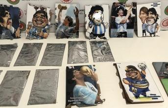 Havalimanında operasyon: Maradona tablolarında gizlemişler