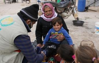 İHH'dan Suriye'deki çocuklara kışlık yardımı