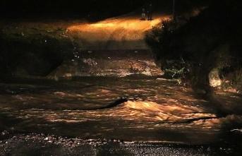 İzmir'de sel: 2 kişi kayıp