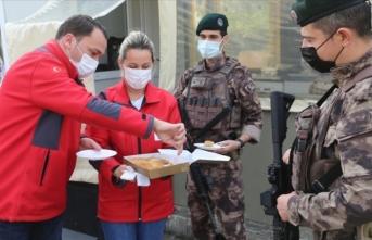 Ordu'da güvenlik güçlerine ikram