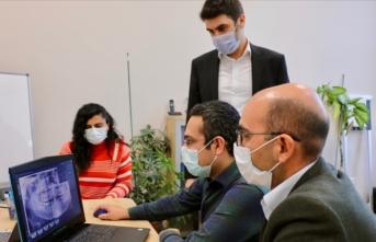 Türk bilim insanlarından 'diş hekimlerinin işini kolaylaştıracak' yazılım