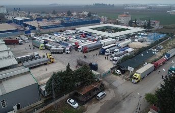 Türkiye, Suriye'ye 350 tır yardım gönderdi
