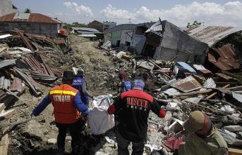 Endonezya'daki depremde ölü sayısı arttı
