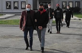 FETÖ şüphelisi 6 muvazzaf asker Türkiye'ye getirildi