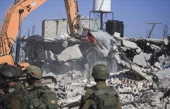 İşgalci İsrail geçen yıl  Filistinlilere ait 729 evi yıktı