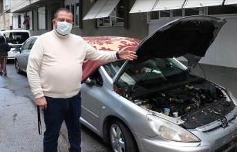 İzmir'de araçlar sel nedeniyle sürüklendi