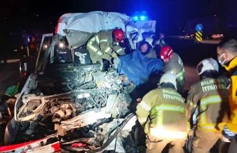 Korkunç kaza: 3 kişi ölü, 9 yaralı