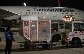 Kovid-19 aşılarının ikinci partisi Türkiye'ye geldi