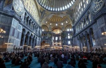 Şehzade Dündar Abdülkerim Osmanoğlu için Ayasofya'da namaz
