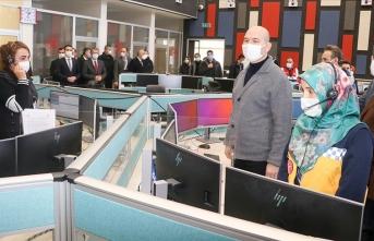 Soylu 112 telsizinden sağlık çalışanlarına seslendi: Sizlere minnettarız