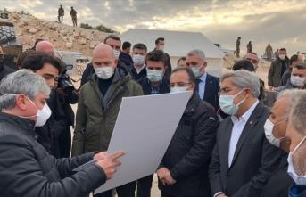 Süleyman Soylu İdliblilere Cumhurbaşkanı Erdoğan'ın selamını götürdü