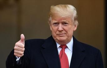 Trump mutlu: Başkanlığı kaybetti, sosyal medya hesaplarını geri aldı