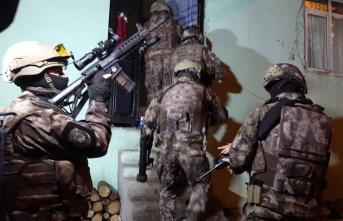 Bursa'da 600 polisin katılımıyla dev operasyon