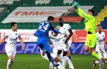 Çaykur Rizespor ile Kasımpaşa 1-1 berabere kaldı