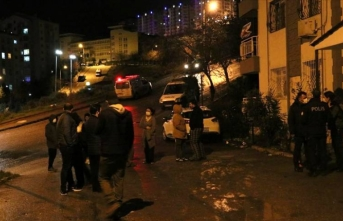 İzmir'de 10 katlı binada yangın çıktı