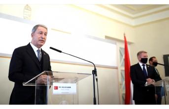 Macaristan Savunma Bakanından Türk Yıldızları talebi