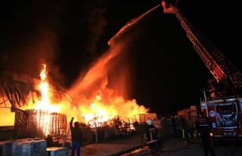 Mersin'deki yangına müdahale edildi