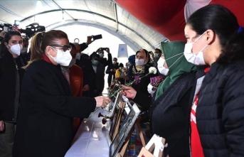 Ticaret Bakanı Pekcan Diyarbakır annelerini dinledi