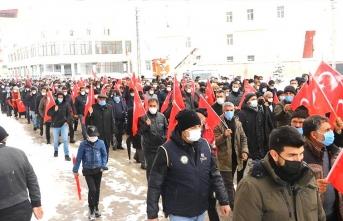 Van'da vatandaşlar Gara şehitleri için sokaklara döküldü