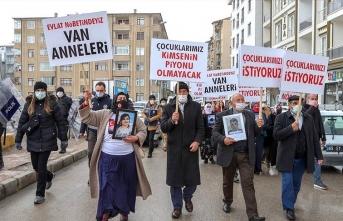 Van'da HDP ve PKK'ya protesto