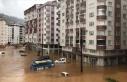 Rize'de şiddetli yağış nedeniyle dere taştı