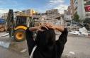 Camiler, İzmir'de depremden etkilenen vatandaşlara...