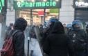 Fransızlar yine sokakta: Özgürlüklerimizi koruyun
