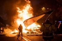 Fransa'da ne oluyor? Akaryakıt zammı protestosunda ortalık karıştı