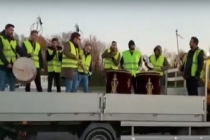 Paris'te Sarı Yelekliler isyanına damga vuran Mehter Marşı gösterisi
