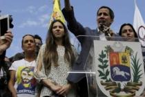 Venezuela'da darbeyle demokrasi talebi