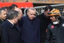 Cumhurbaşkanı Erdoğan enkaz bölgesinde bu mesajı verdi