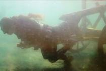Kadın şehitler anısına suyun altındaki kağnıyı çekti